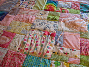 lily2 baby clothing quilts baby memory quilts jellybeanquilts,Childrens Clothing Quilt