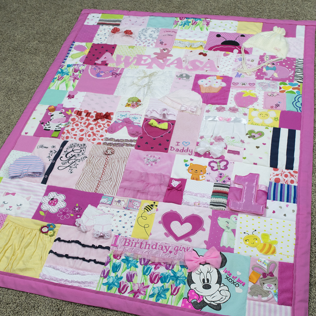 Quilt From Baby Clothes Check Out This Quilt Made From Baby